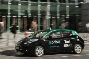 Leaf_taxi_eletrico