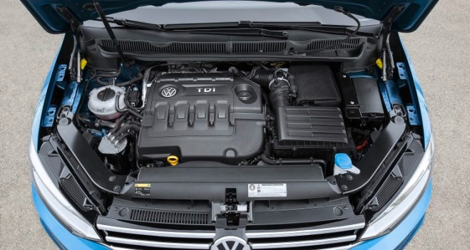 Volkswagen-Touran_27-750x400